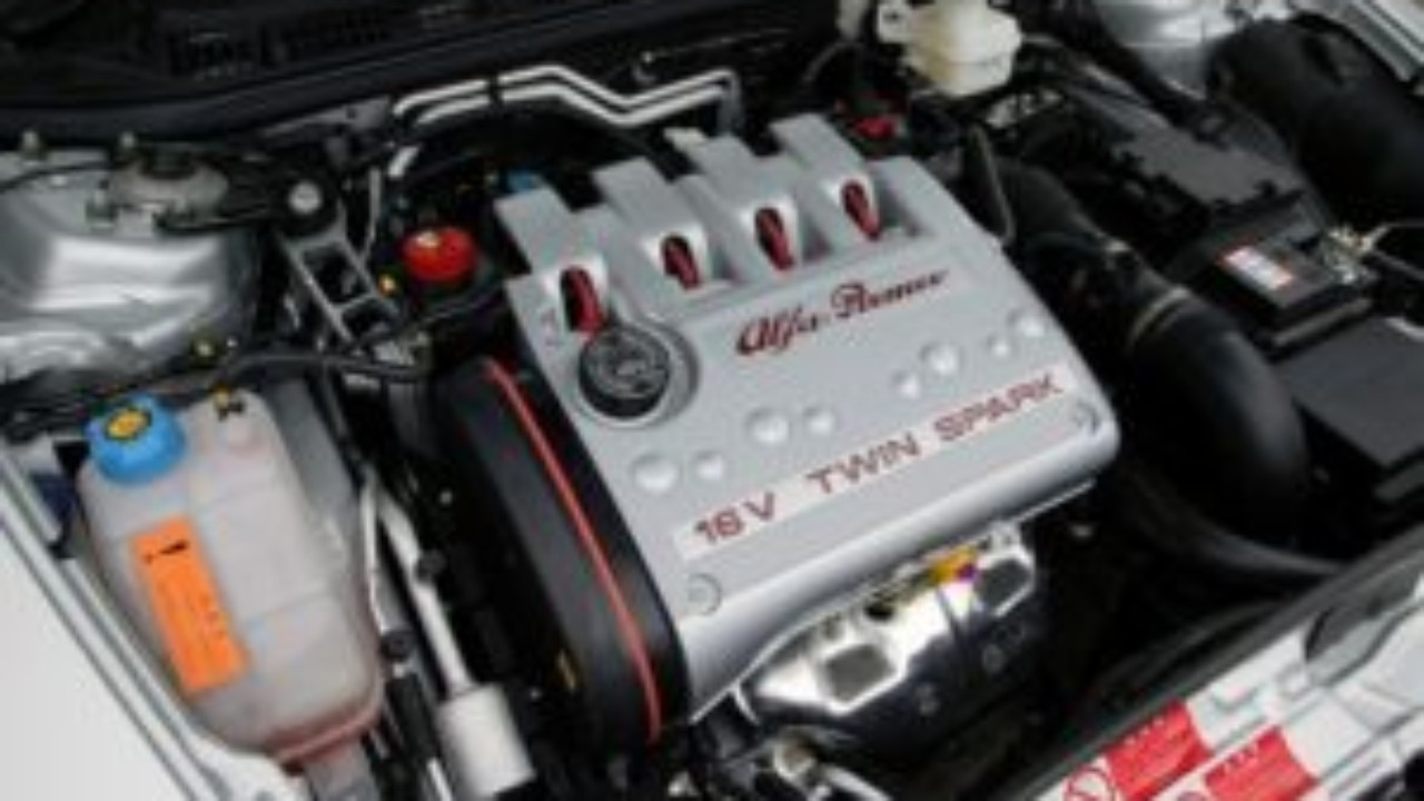 Alfa Romeo 1 6 16v Twin Spark Motor Mlfree