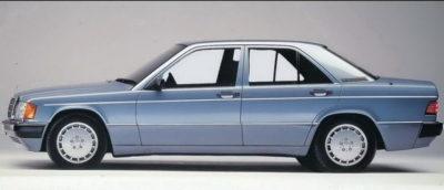 1983. godine predstavljen je i sportski nastrojeni Mercedes 190 E 2. 3- 16 sa 16 ventila i 182KS.
