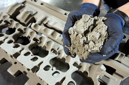 Za peščani liv potreban nam je 'negativ' bloka motora poput ovih kanala za rashladnu tečnost (BMW AG)