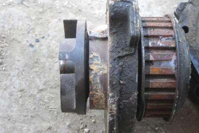 Klasični primerak korišćene pumpe za vodu kroz koju je u letnim mesecima cirkulisala samo voda
