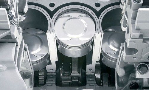 Zapremina jednog cilindara definisana je promerom cilindara i hodom klipa, a sabiranjemzapremina svih cilindara dobijamo zapreminu celog motora.