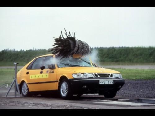Saab je svoje automobile testirao na sudar sa divljači