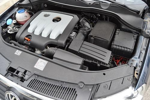 Dvolitreni turbodizelaš, nakon zamene Siemensovog sklopa 'pumpa-brizgaljka' Boschovim, radi bez greške. Kupca na 120.000 km očekuje zamena zupčastog kaiša s španerom