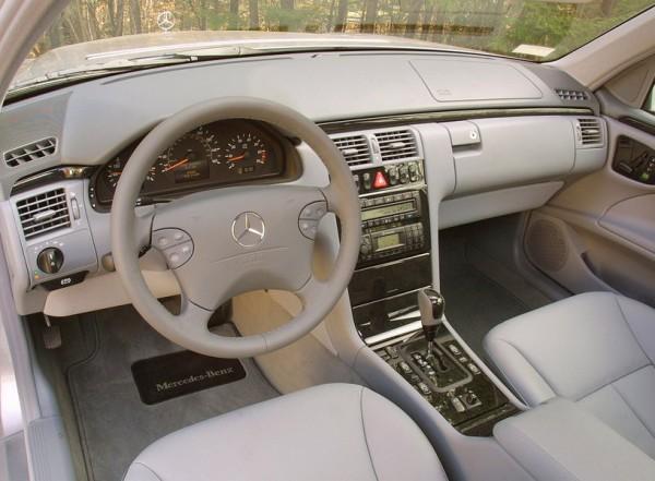 Mercedes E klasa W210